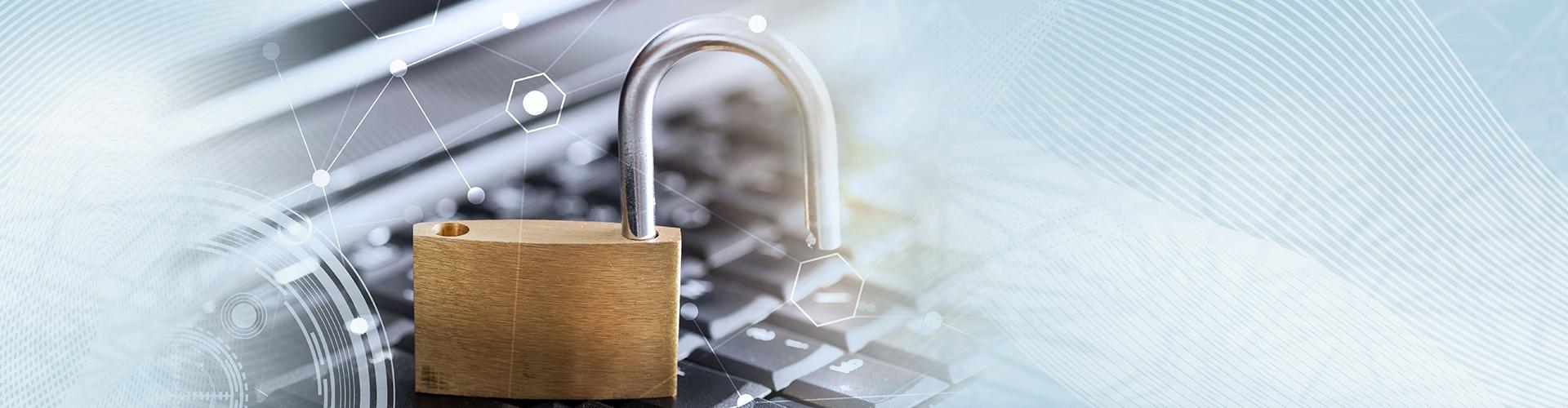 Datenschutz - Vorhängeschloss auf Tastatur © thodonal, stock.adobe.com
